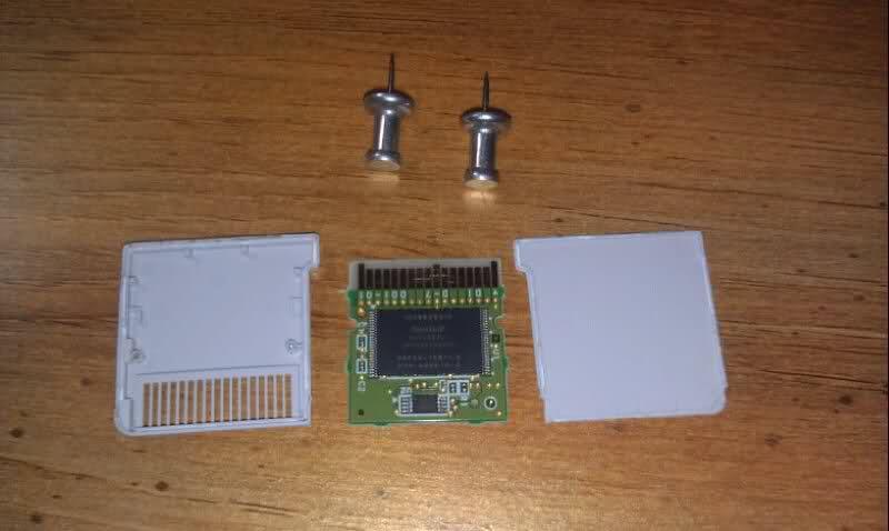 Cartuccia 3DS aperta